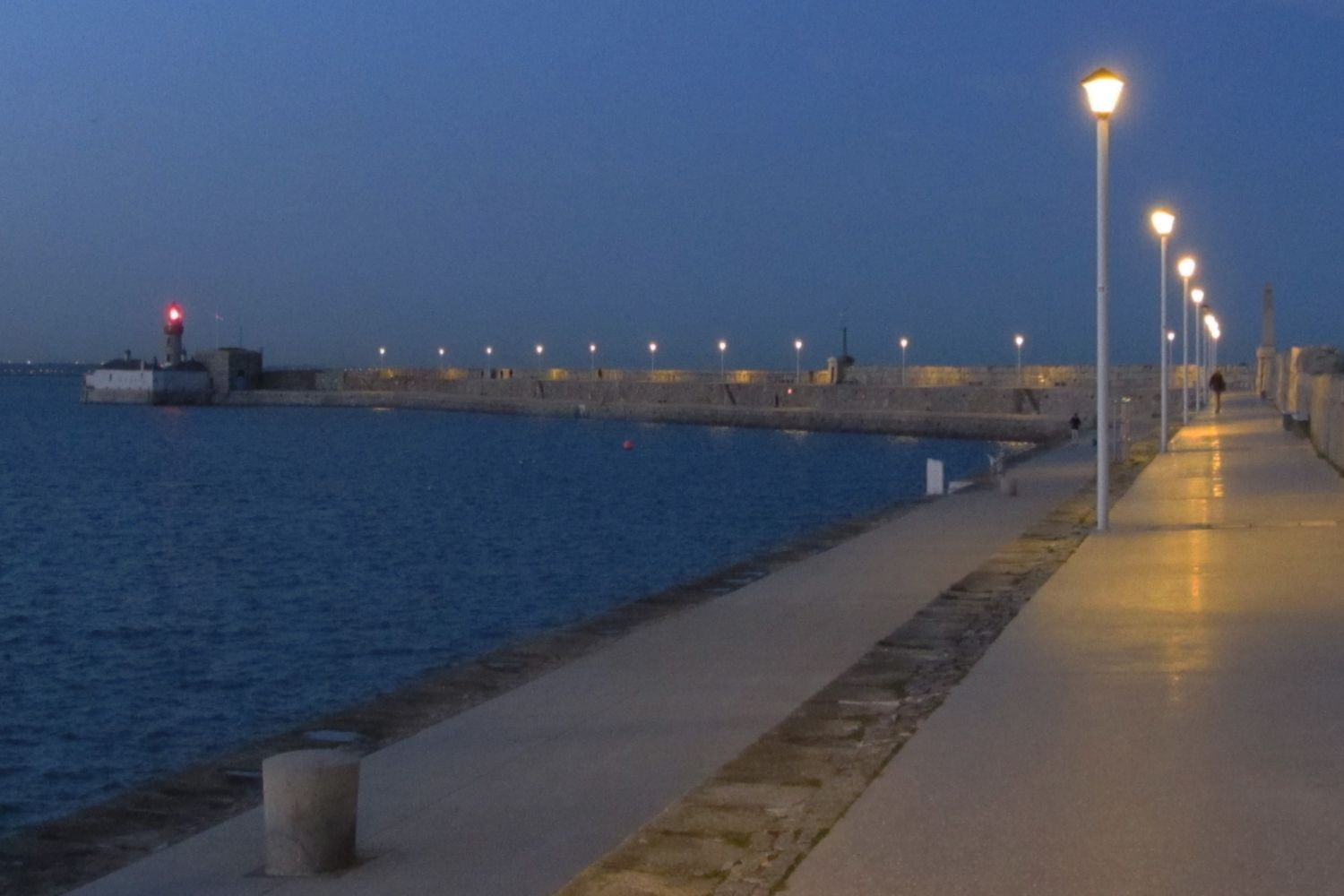 Dun Laoire pier (at twilight)
